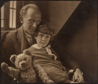 a-_a-_milne_with_his_son_christopher_robin_milne_and_pooh_bear_-_howard_coster_-_npg_p715